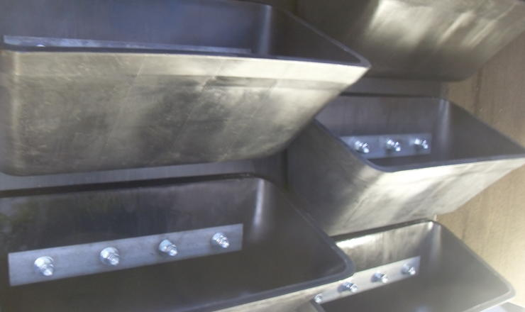 double row of Nyrim elevator buckets